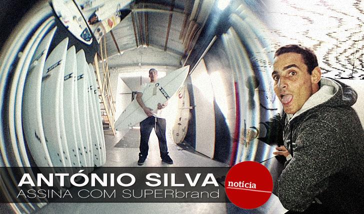 8617António Silva assina com SUPERbrand