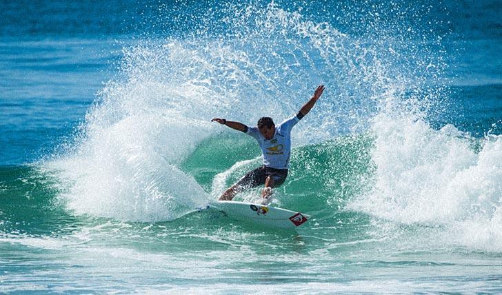 No último heat do dia, Vasco Ribeiro usou o power surf para se garantir no round 6, onde irá no mesmo heat que Morais.