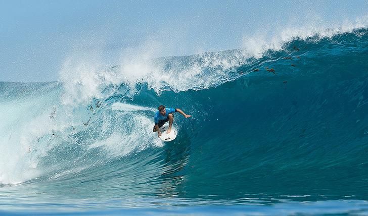 O bascro Aritiz Aranburu mostrou novamente porque já esteve na elite do surf mundial ao eliminar Fanning. Photo by WSL | Cestari