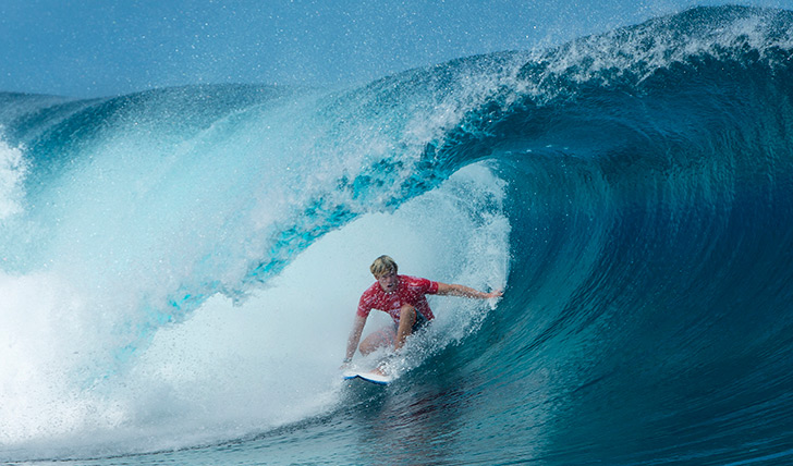 JJ Florence num tubo tahitiano perfeito! Photo by WSL | Robbo