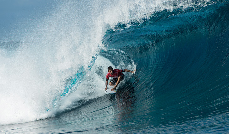 Filipe Toledo venceu Simpson e poderá ser o número um do mundo no final do Billabong Tahiti Pro. Photo by WSL | Robertson