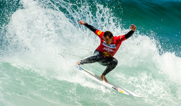 Vasco Ribeiro foi o melhor surfista do campeonato até às meias finais... Photo by Pedro Mestre/Liga MOCHE
