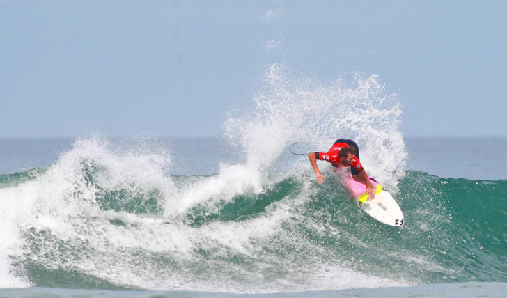Frederico Morais foi fulminante no seu heat de estreia em Lacanau. Photo by WSL | Masurel