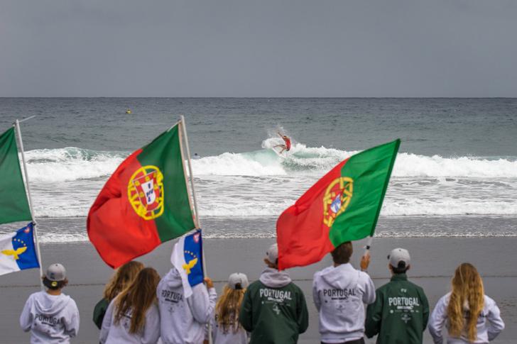 A equipa vibrou com a prestação de João Moreira. Photo by Evans / ISA
