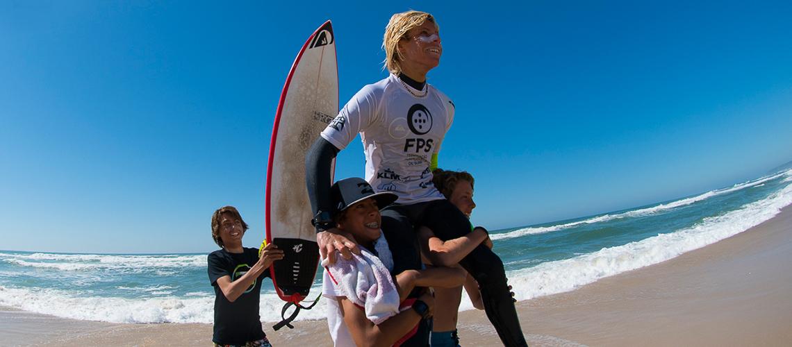 38625Afonso Antunes sagra-se Campeão Nacional de Surf Sub 16