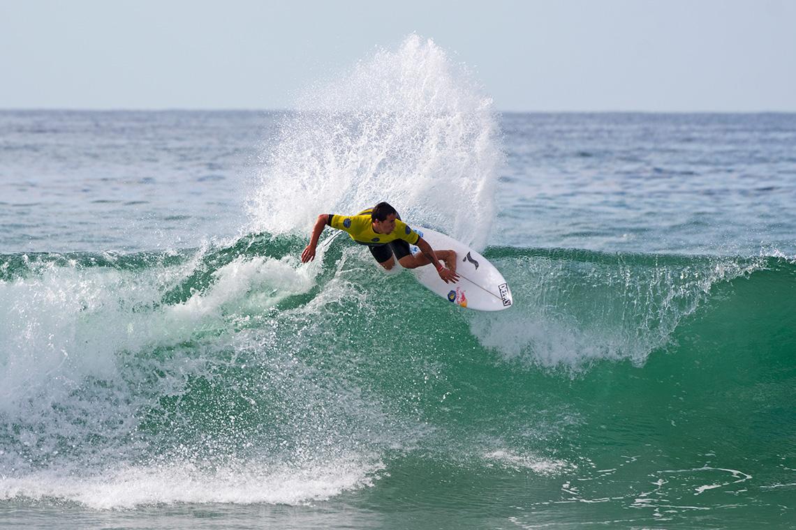 39201Os heats dos (3) surfistas portugueses no US Open