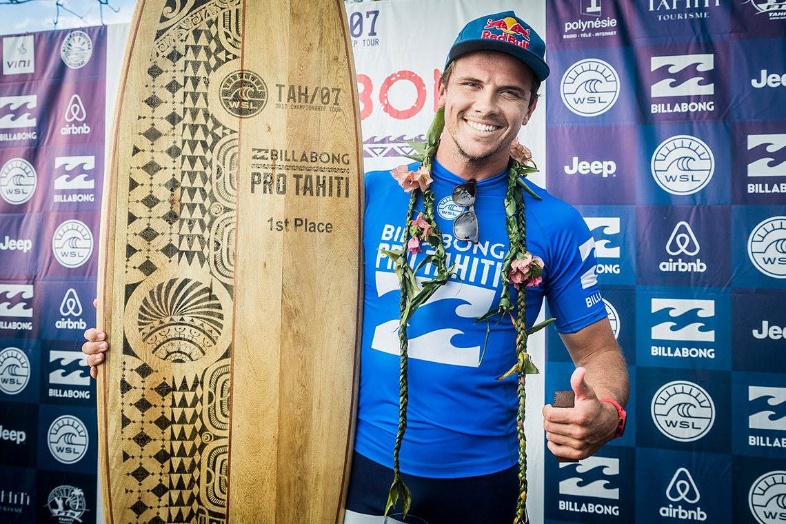 39497Julian Wilson vence Billabong Pro Tahiti em cinco minutos