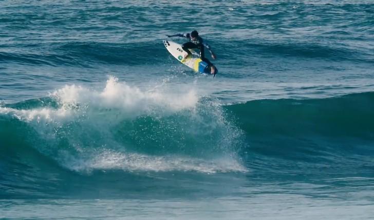 40268Ítalo Ferreira na Praia das Maçãs || 0:57