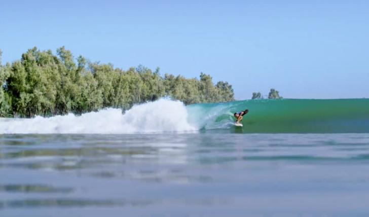 39861Bethany Hamilton também surfa na esquerda de Kelly Slater…
