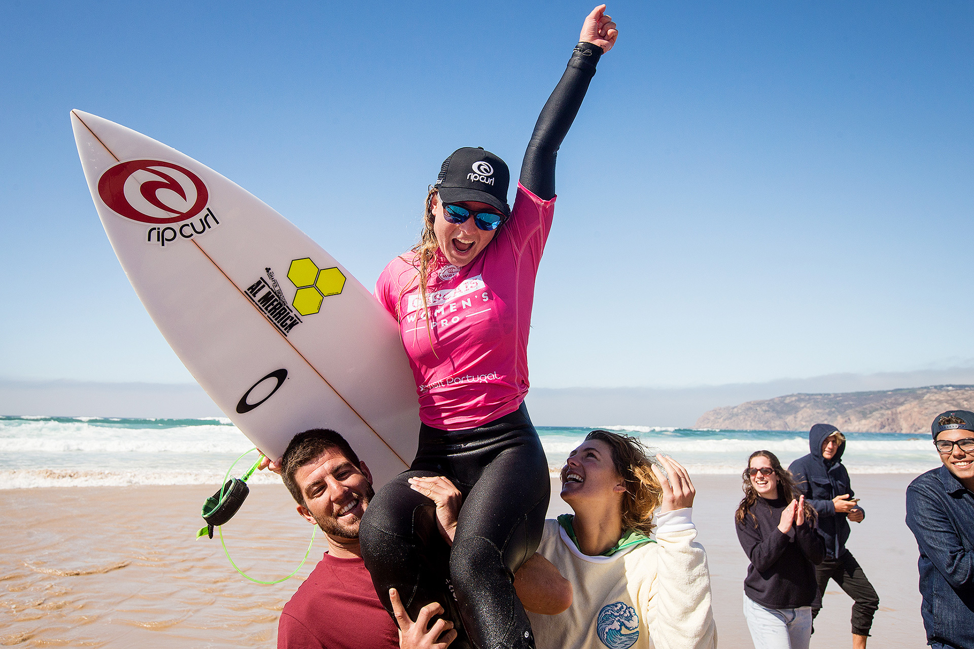 Nikki Van Dijk estreou-se nas vitórias - Photo by Masurel / WSL
