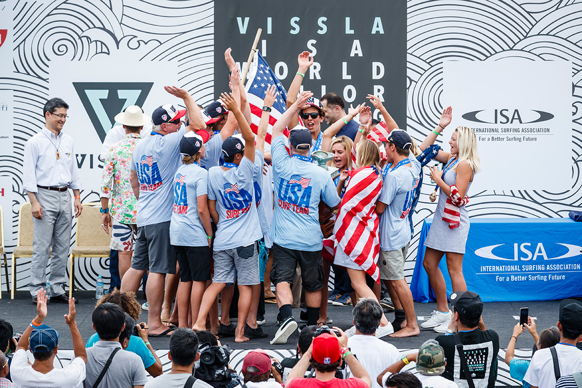 40480EUA vencem ISA World Junior Surfing Championship