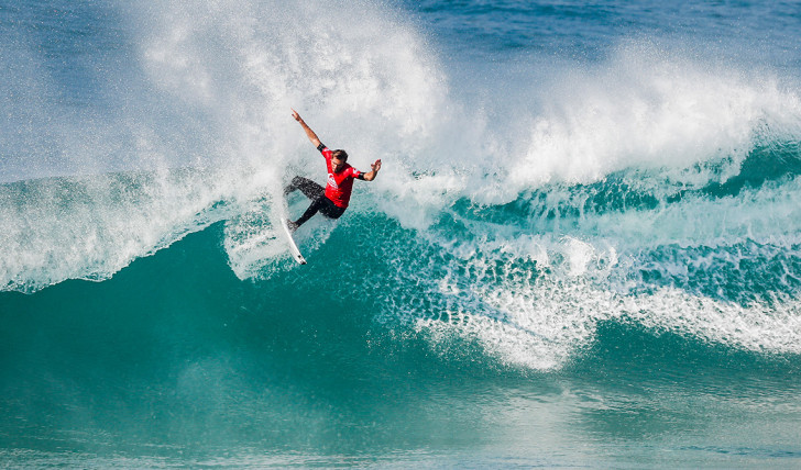 40722Frederico Morais derrota Jack Freestone no round 2 do Quik Pro France