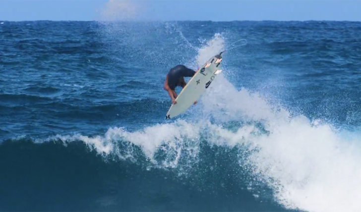 41975O backflip de Barron Mamiya no North Shore || 0:23