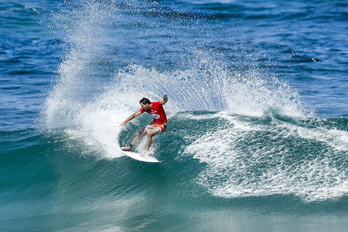 42783Frederico Morais enfrenta dupla brasileira no Quiksilver Pro Gold Coast