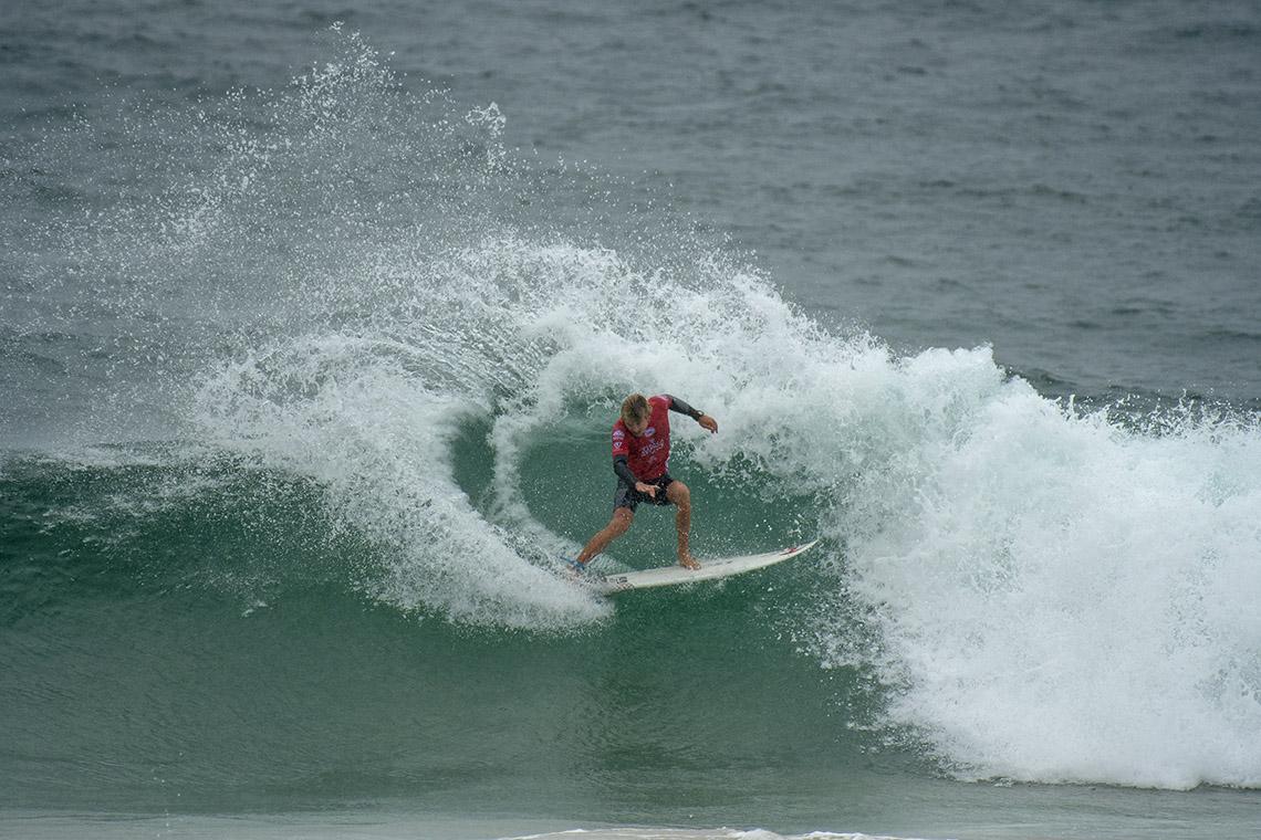 42939Tomás Fernandes em destaque no Vissla Sydney Surf Pro