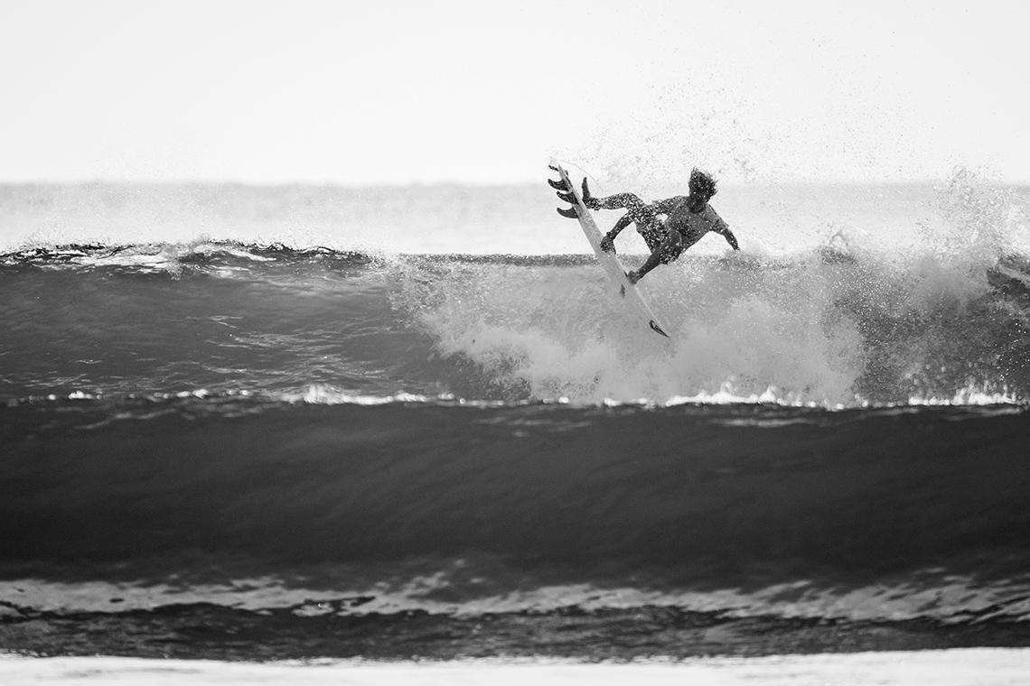 4334839 surfistas portugueses marcam presença no Junior Pro Espinho