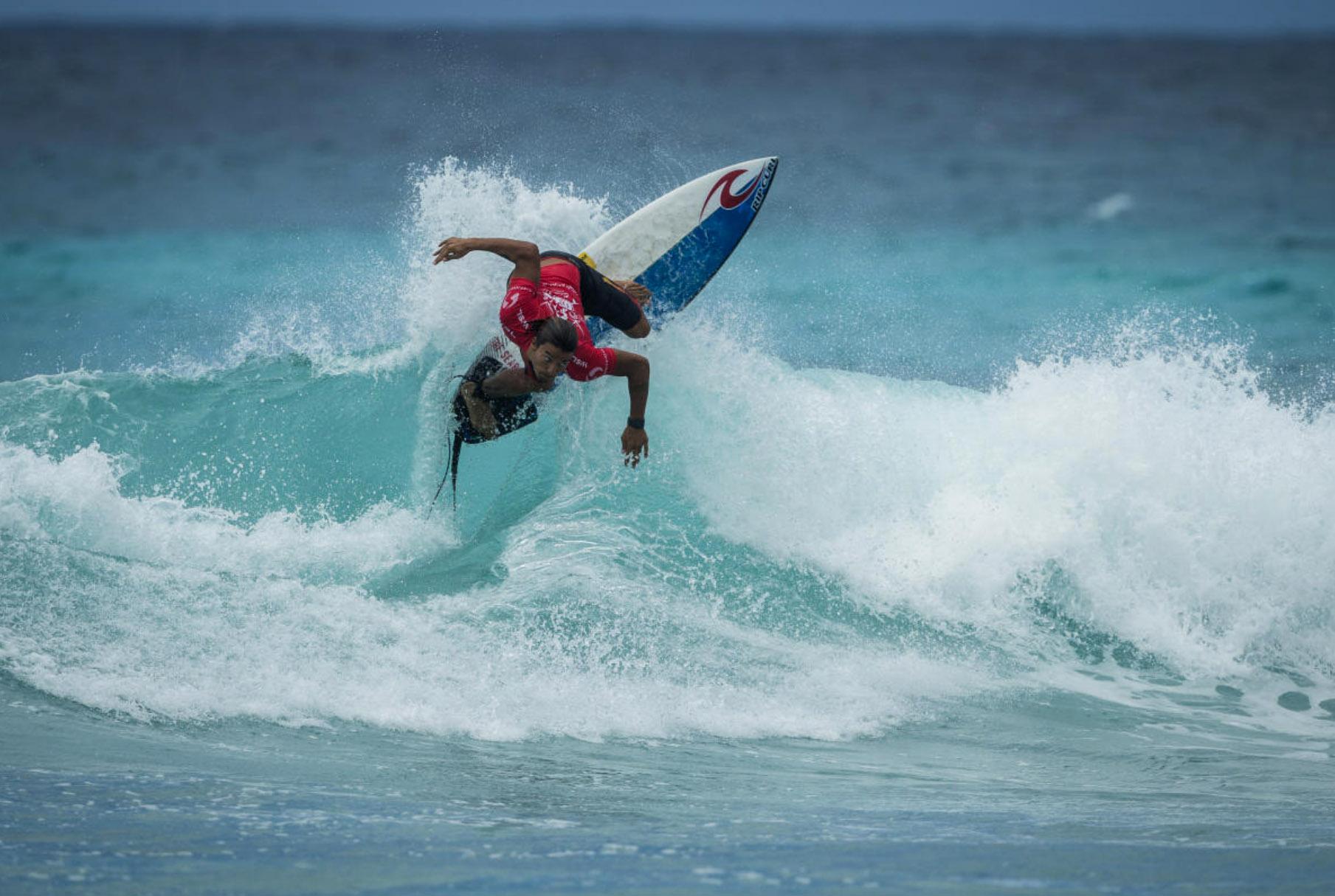 43495Tomás Fernandes & Miguel Blanco em destaque no Barbados Surf Pro