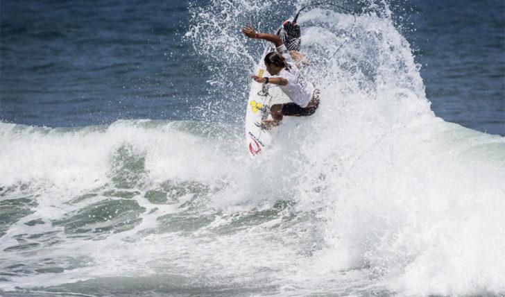 43387Miguel Blanco no round de 16 do Martinique Surf Pro