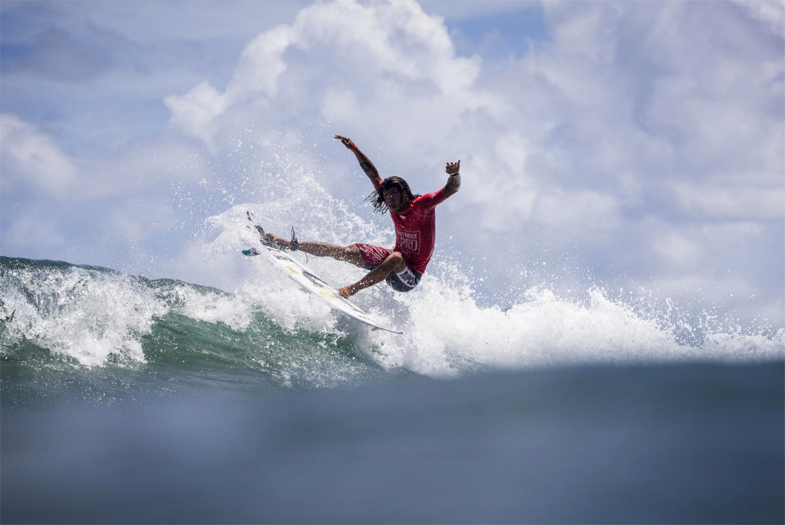 43423Miguel Blanco termina em 5º lugar no Martinique Surf Pro