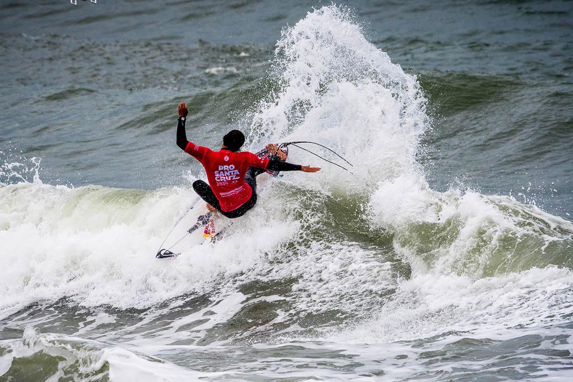 44245Kanoa Igarashi vence o Pro Santa Cruz | Frederico Morais em 5º lugar
