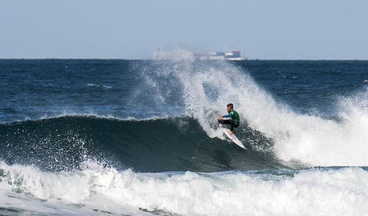 44550Os heats dos surfistas portugueses no Junior Pro La Torche
