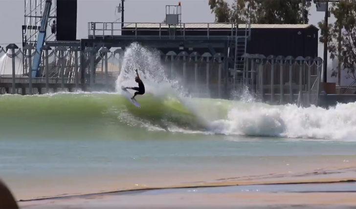 44377A primeira onda de Frederico Morais no Surf Ranch || 0:41