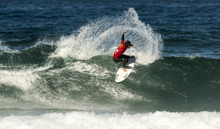 45177Pedro Coelho termina em 13º lugar no Vans Surf Pro Classic