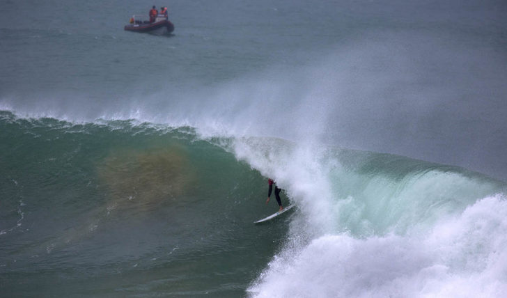 45683Frederico Morais vence no round 1 do Corona Open J-Bay