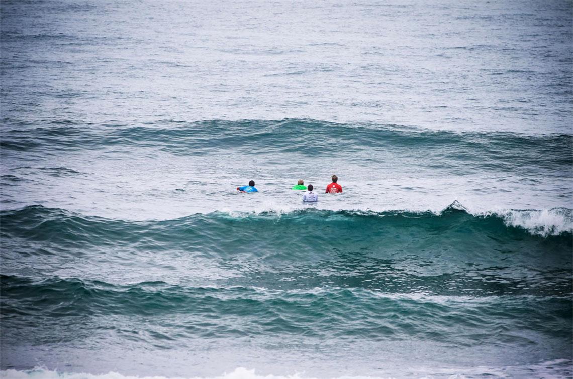 46035Os heats dos 14 surfistas portugueses no Junior Pro Sopela