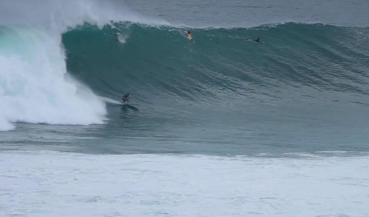 46180Uma ondulação gigante em Uluwatu || 3:31