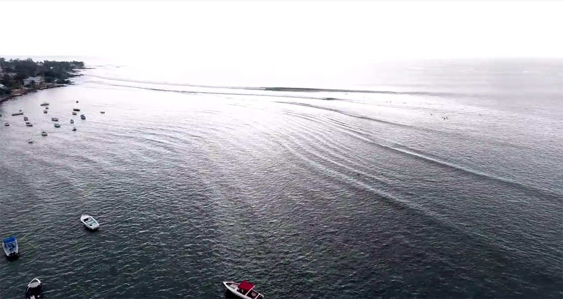 """46028Três ondas de nível mundial que são """"proibidas""""…"""