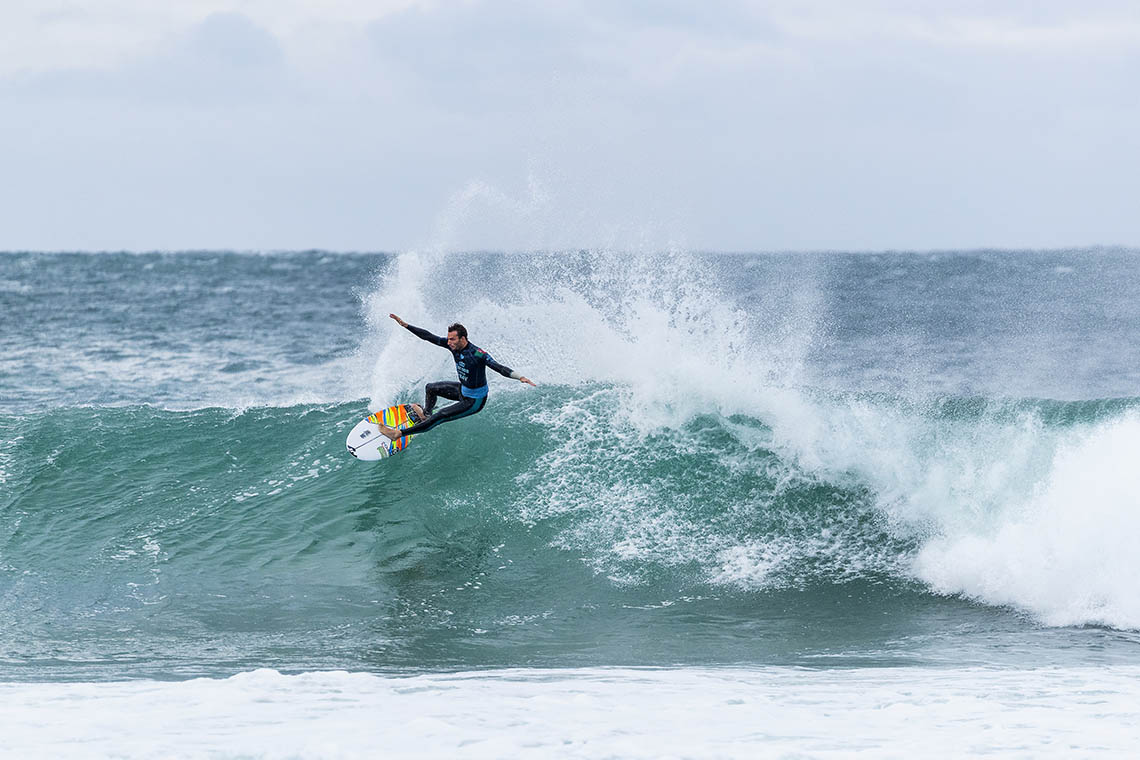 45744Frederico Morais vence no round 3 do Corona Open J-Bay