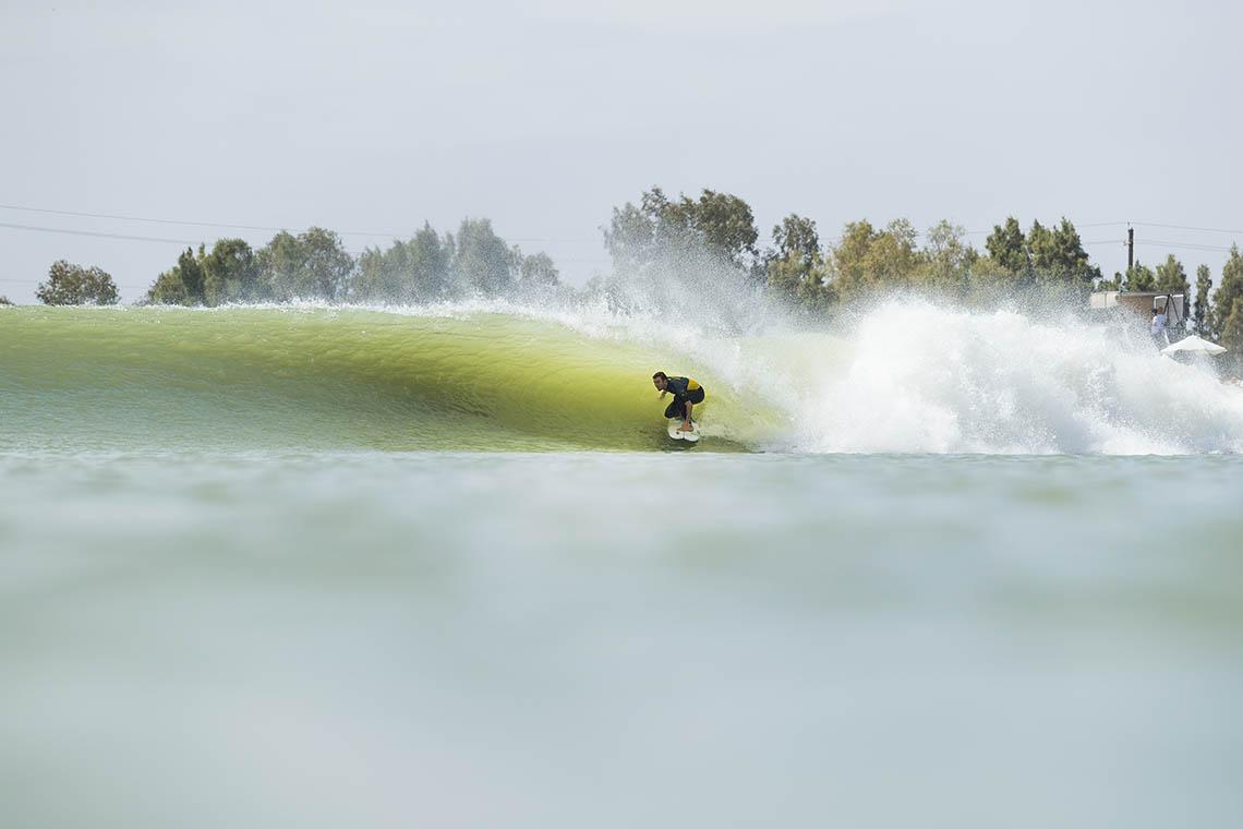 46842Frederico Morais ocupa a 12º posição no fim do dia 1 do Surf Ranch Pro