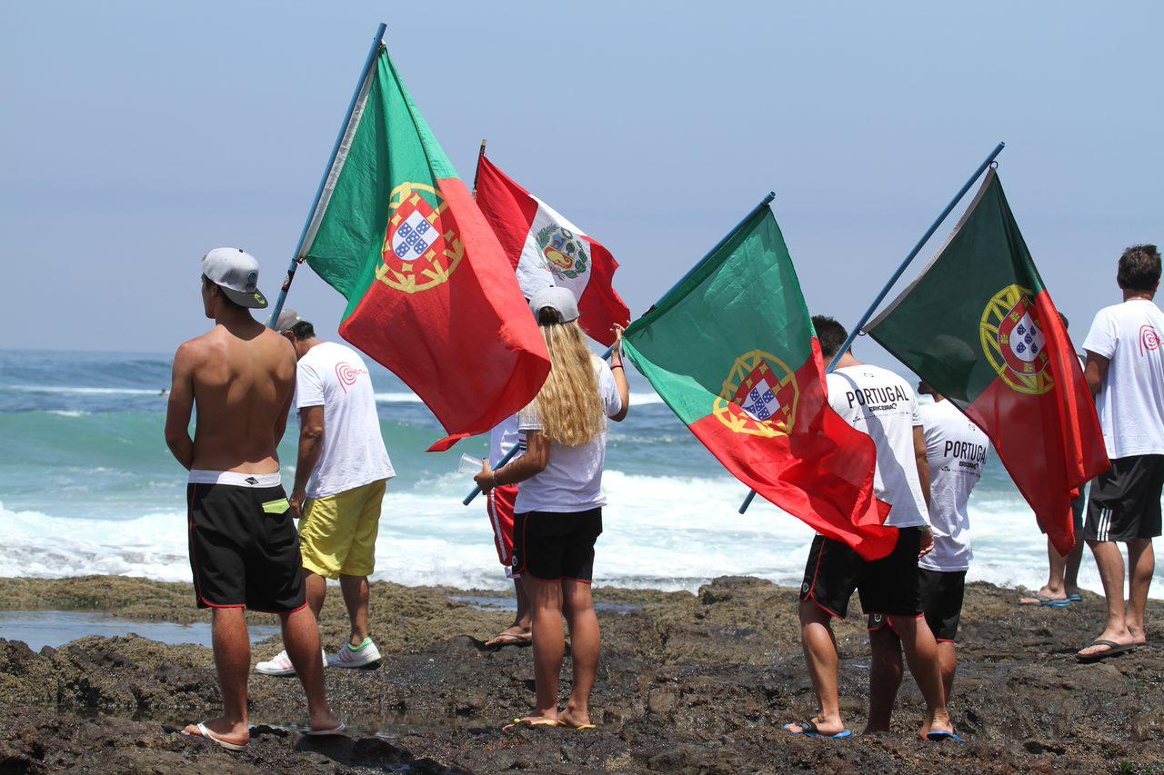 47735Seleção Nacional Júnior de partida para o World Junior Surfing Championship na Califórnia