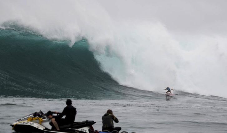 48265Alex Botelho eliminado em dia curto de competição no Jaws Challenge