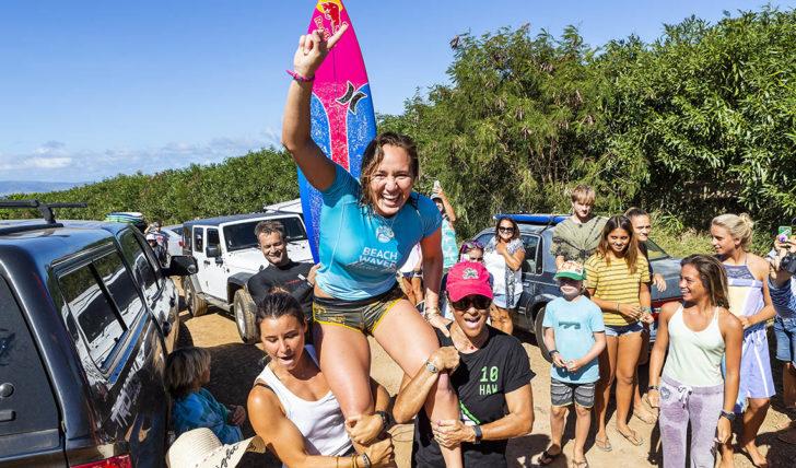 48277Carissa Moore fecha o ano com chave de ouro em Maui