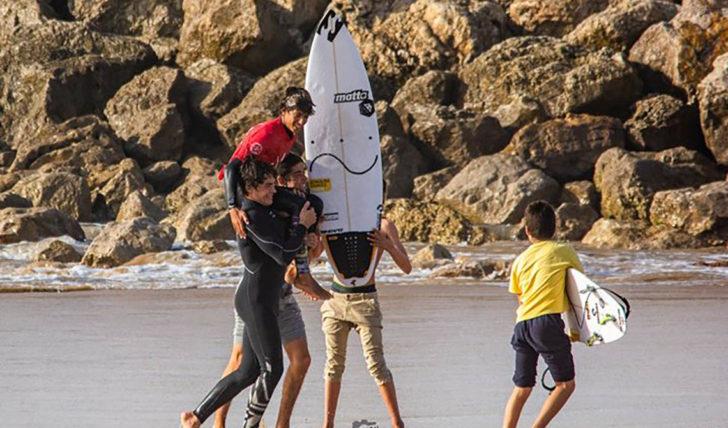 48496Joaquim Chaves sagra-se Campeão Nacional de Surf Esperanças Sub16