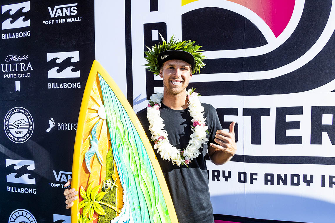 48655Medina (também) vence Pipe Masters, Jesse vence Triple Crown of Surfing e mais…