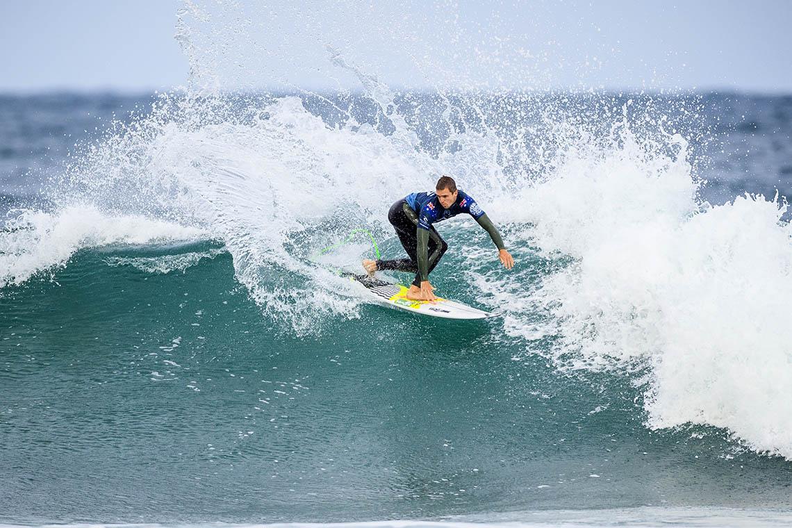 50193Rip Curl Pro Bells Beach arranca com condições fracas