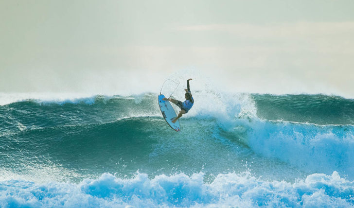 49936Quiksilver Pro Gold Coast reduzido a 8 surfistas | Dia 4