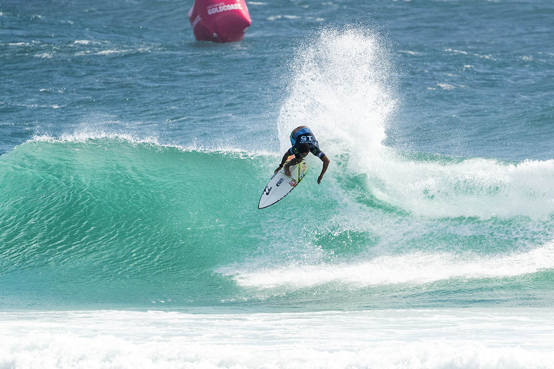 49853Junta-te à ONFIRE no Fantasy Surfer e ganha prémios Billabong