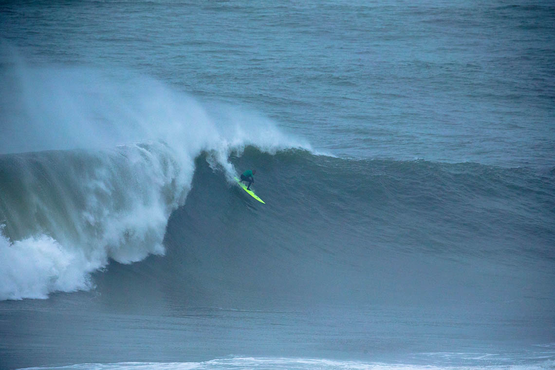50423Nicolau Von Rupp junta-se a Alex Botelho no Big Wave Tour