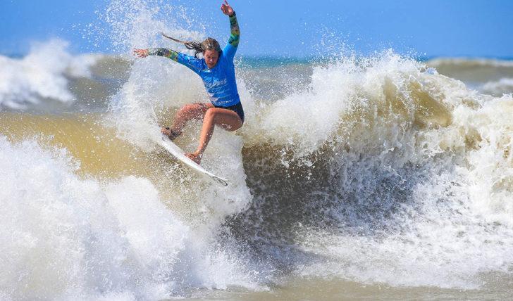 """50985Boa estreia para a """"armada lusa"""" no SA Open of Surfing"""