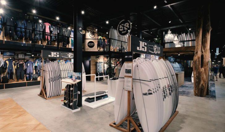 5181758 Surf abre loja bandeira em parceria com a Billabong