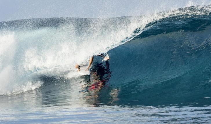 51920Frederico Morais cai para o round 2 no Tahiti Pro Teahupo'o