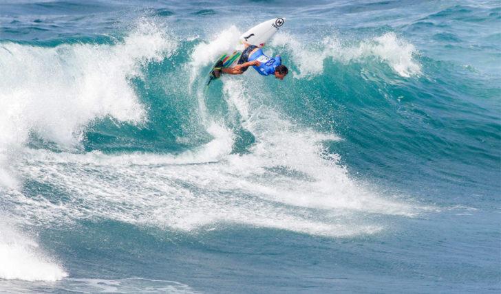52448Duas ondas excelentes de Vasco Ribeiro no dia 5 do Azores Airlines Pro || 1:14