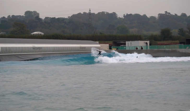 53043Surfistas Europeus testam a WaveGarden Cove de Bristol || 0:48