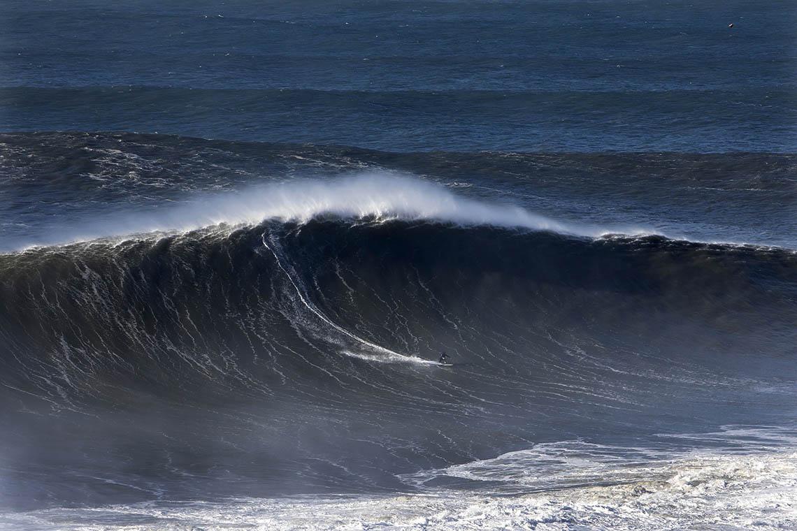 53214Nazaré Tow Surfing Challenge – Team Great Britain