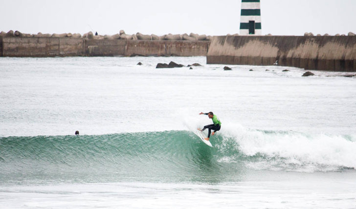 53289Ondas de Peniche consagram novos campeões de Surf Masters