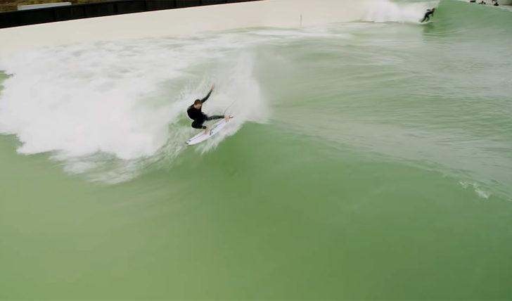 53304Super talentos australianos testam a nova WaveGarden Cove de Melbourne || 8:50